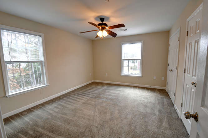 Crown luxury apartments 1 bedroom pictures and virtual tours - 1 bedroom apartments in jacksonville nc ...